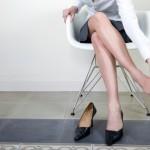 ふくらはぎのむくみの原因と解消法!脚のリンパマッサージ方法とは