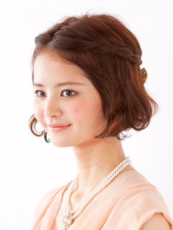 結婚式の髪型ドレスに合うボブの編み込み・アップ簡単髪型アレンジ