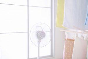 扇風機と部屋干し