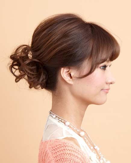 結婚式の髪型・ミディアムでもできるアップスタイル