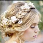 結婚式の髪型でドレスに合うロング編み込みアップ簡単髪型アレンジ