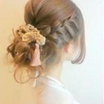 梅雨の髪型ミディアムの編み込み・まとめ髪の簡単なヘアアレンジ