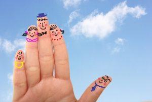 指にかいた家族