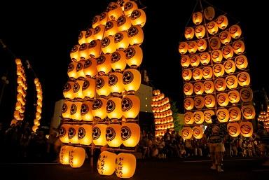 秋田竿燈まつり2016日程や観覧席とおすすめ宿泊ホテルは?