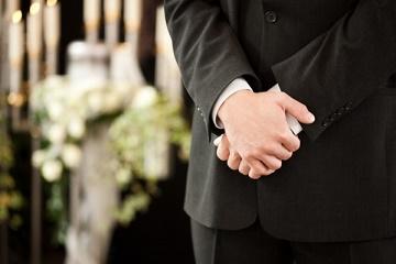 葬式の男性の靴やバッグ・アクセサリーの小物マナー!ベルトの色は?